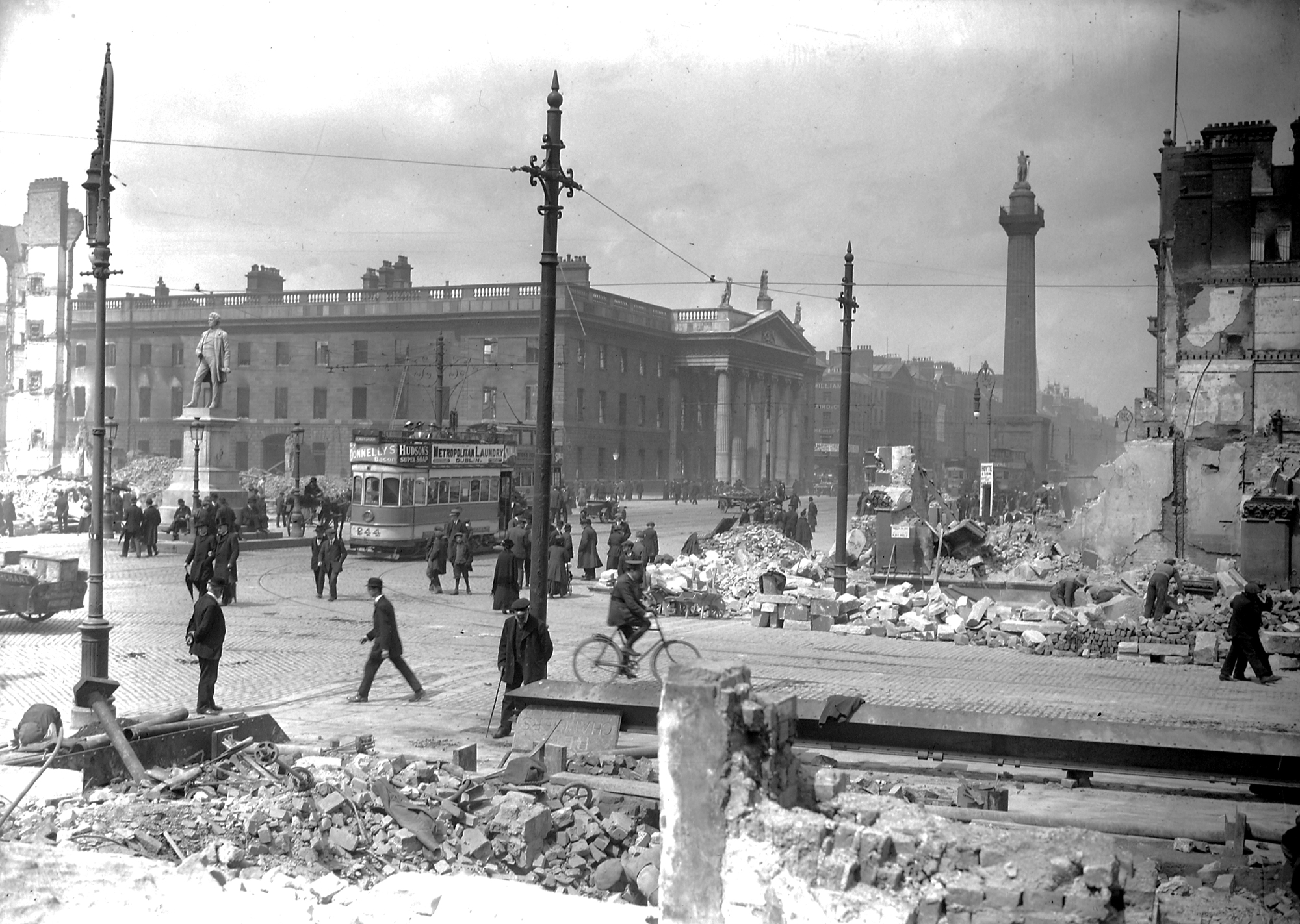 1916 rising Around noon on easter monday of 1916, some 1,600 irish nationalists--members of the irish volunteers--launch the so-called easter rising in dublin, seizing a number of official buildings and calling on all irish patriots to resist the bonds of.
